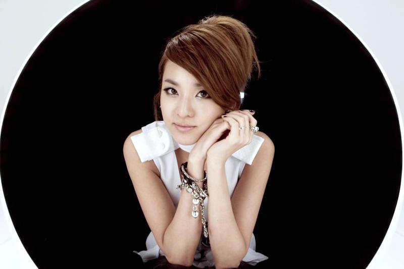Feliz cumpleaños sensualidad coreana *A*  que se autoproclama DARA owó Dara12