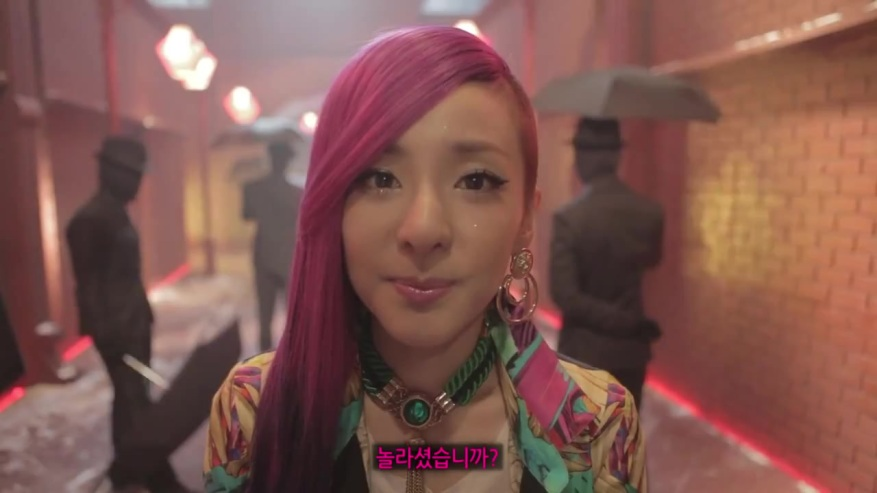 2NE1 - I LOVE YOU [MV Making l 메이킹 영상] 0121