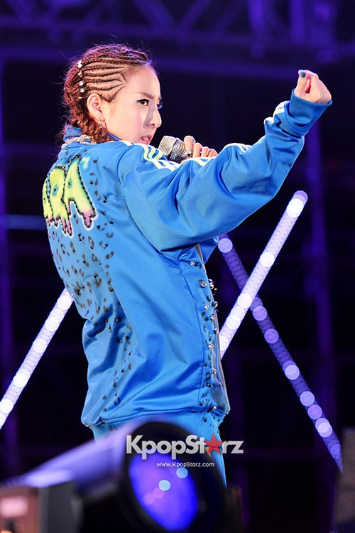 68207-2ne1-performs-at-unite-all-originals-live-with-snoop-dogg-may-4-2013