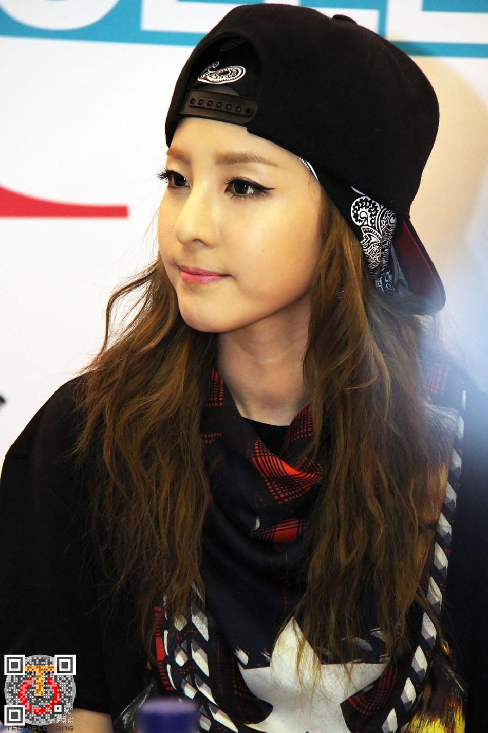 Photos: 130622 Gorgeous Dara and 2NE1 at Asia Style ...
