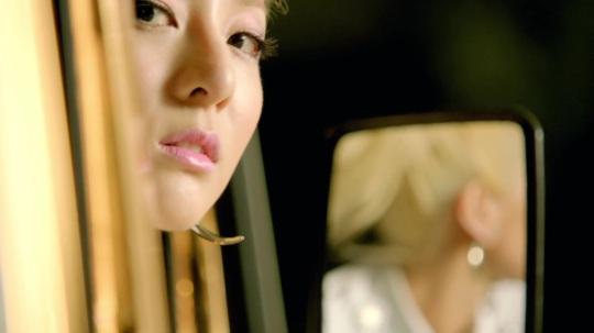 2NE1---FALLING-IN-LOVE-M-V[www.savevid.com] 2725