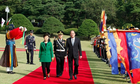 President-Aquino-defends-his-decision-to-push-through-with-his-state-visit-to-South-Korea