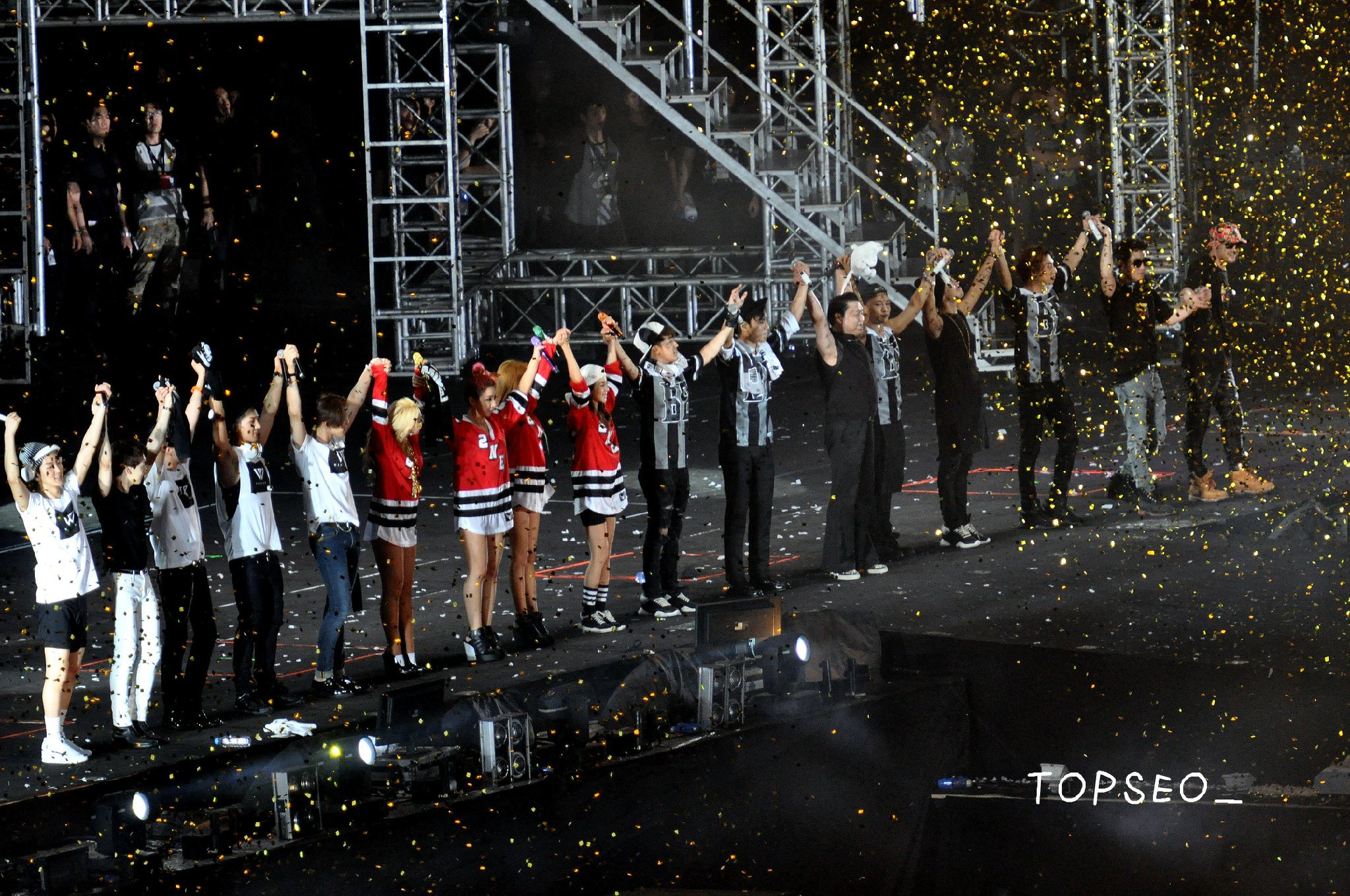 "Photos: 140830 HQ/HD Fantaken Pics of YG Family in ""YG ..."