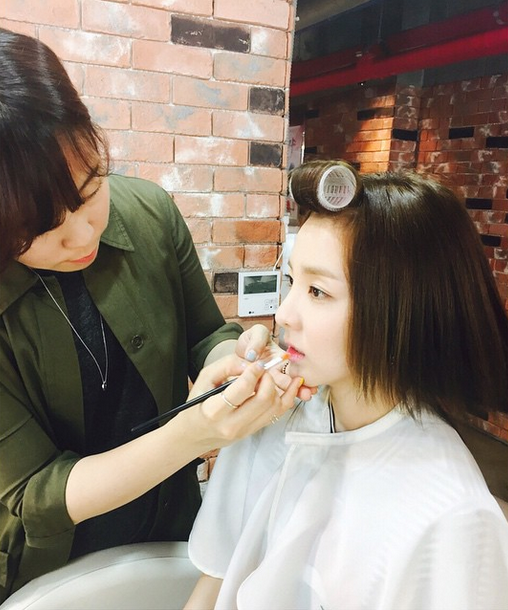 "FireShot Capture - Sandara Park on Instagram_ ""메이크업 한다라 💄"" - https___instagram.com_p_12ktTJiSyY_"