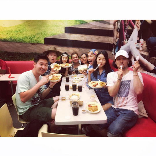"FireShot Capture - Sandara Park on Instagram_ ""Jollibee!!!!!!_ - https___instagram.com_p_54Zd1liSyU_"