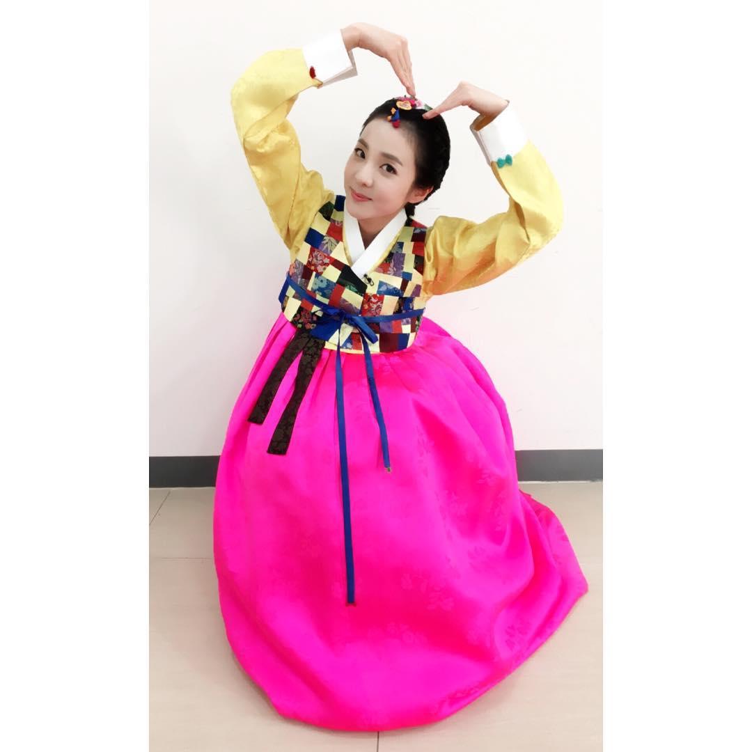 Instagram Sweet Dara Greets Everyone A Happy Lunar New Year